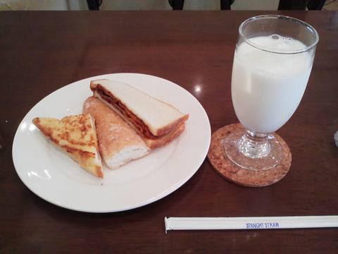 パン食べ放題モーニング¥380 シャンテーコジマ2回目