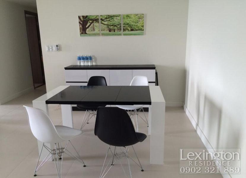 bàn ăn màu trắng đen tại căn hộ cho thuê lexington