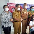 Anggota DPR RI Adriana Dondokambey Tinjau Pelaksanaan Vaksin di Minsel