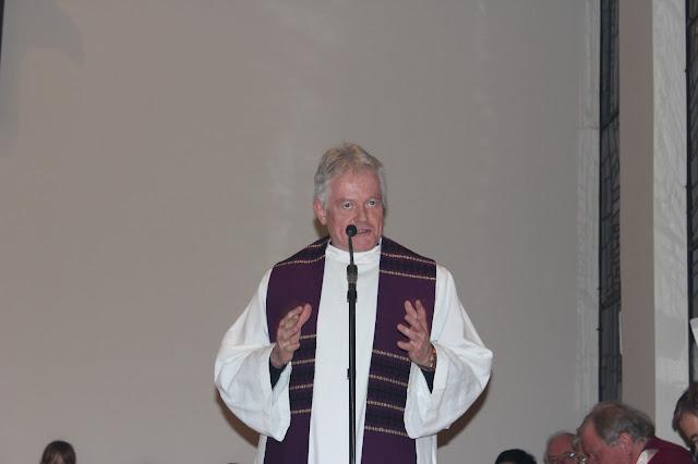 Überreichung Ernennungsurkunde  Pfarrer Müller 2012 - IMG_6783.JPG