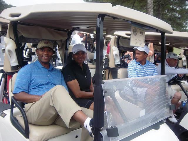 2011 NFBPA-MAC Golf Tournament - Golf%2BV1%2BApril%2B8%252C%2B2011%2B075.JPG