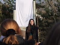 Bezányi Orsolya népdalt énekel.JPG