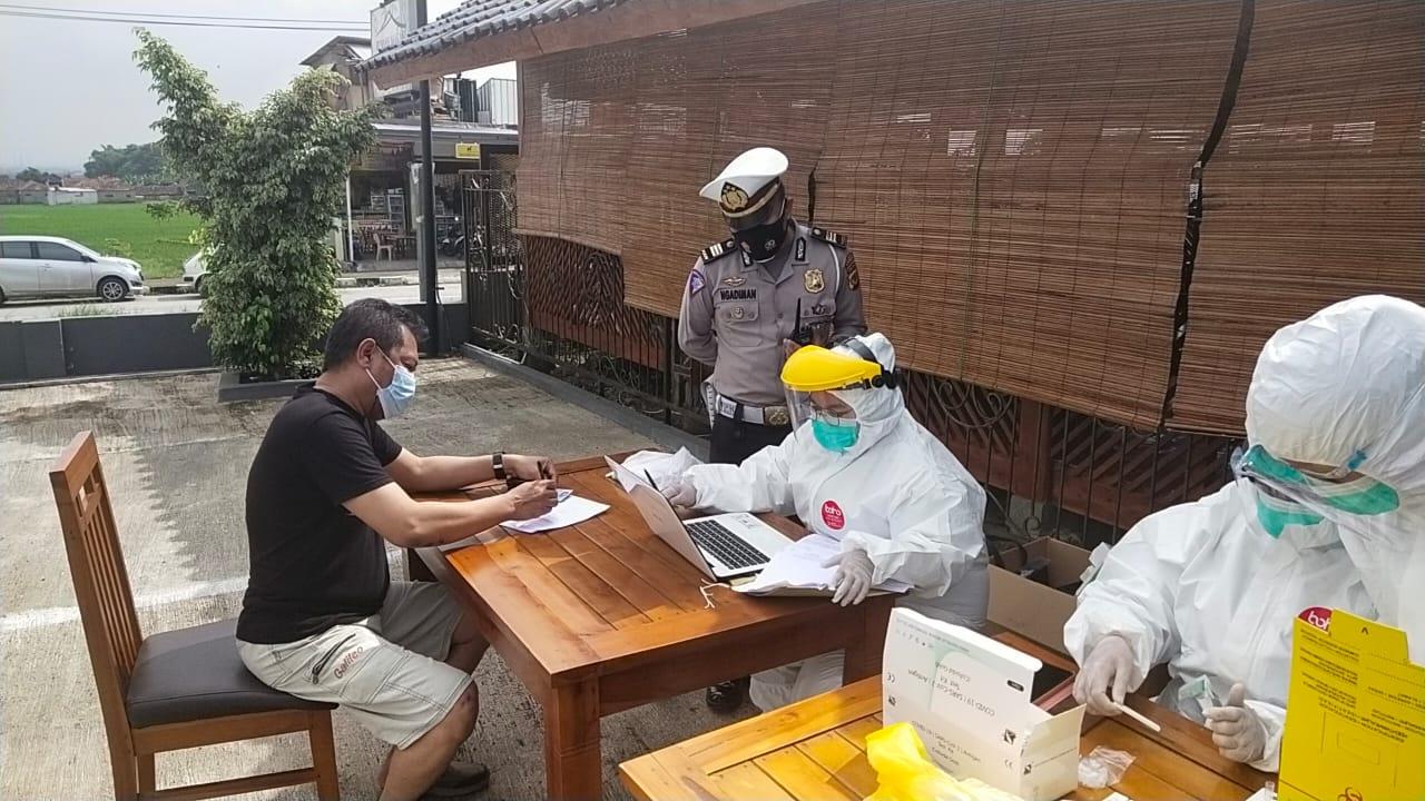 Polresta Bandung Polda Jabar Putar Balikkan Kendaraan di Hari Libur Imlek