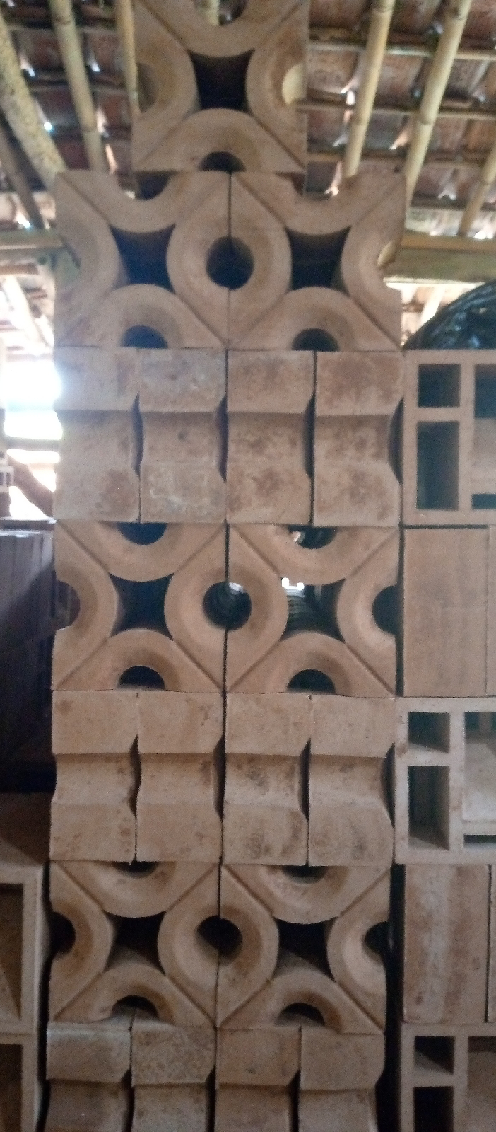 Roster motif padi gravel