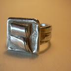 Ring Silber Buch Relief.JPG