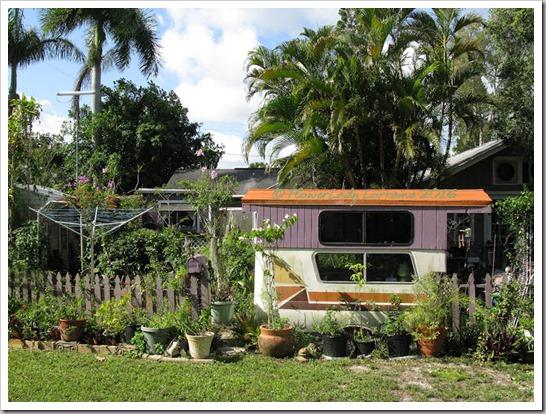 06-17-caravan-garden