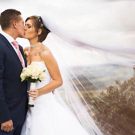 by Louise Kloppers - Wedding Bride & Groom (  )