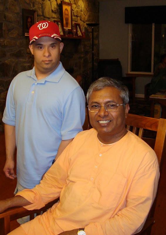Swami Baneshananda with devotee