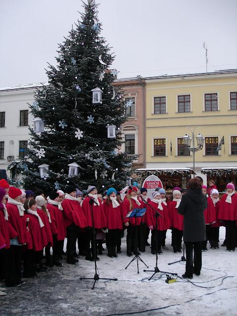 11.12.2012 Galakoncert v rámci 10. ročníku festivalu dětských pěveckých sborů - DSC06872.JPG
