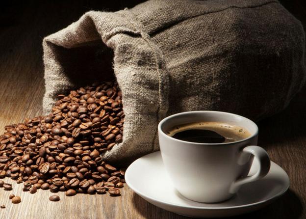 hilangkan bau dapur dengan kopi