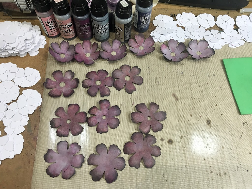 [13+Shabby+Rose+Pieces+Embossed%5B5%5D]