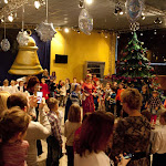 Дед Мороз и Снегурочка приглашают Вас  на новогодние спектакли в театр «ФЭСТ»!