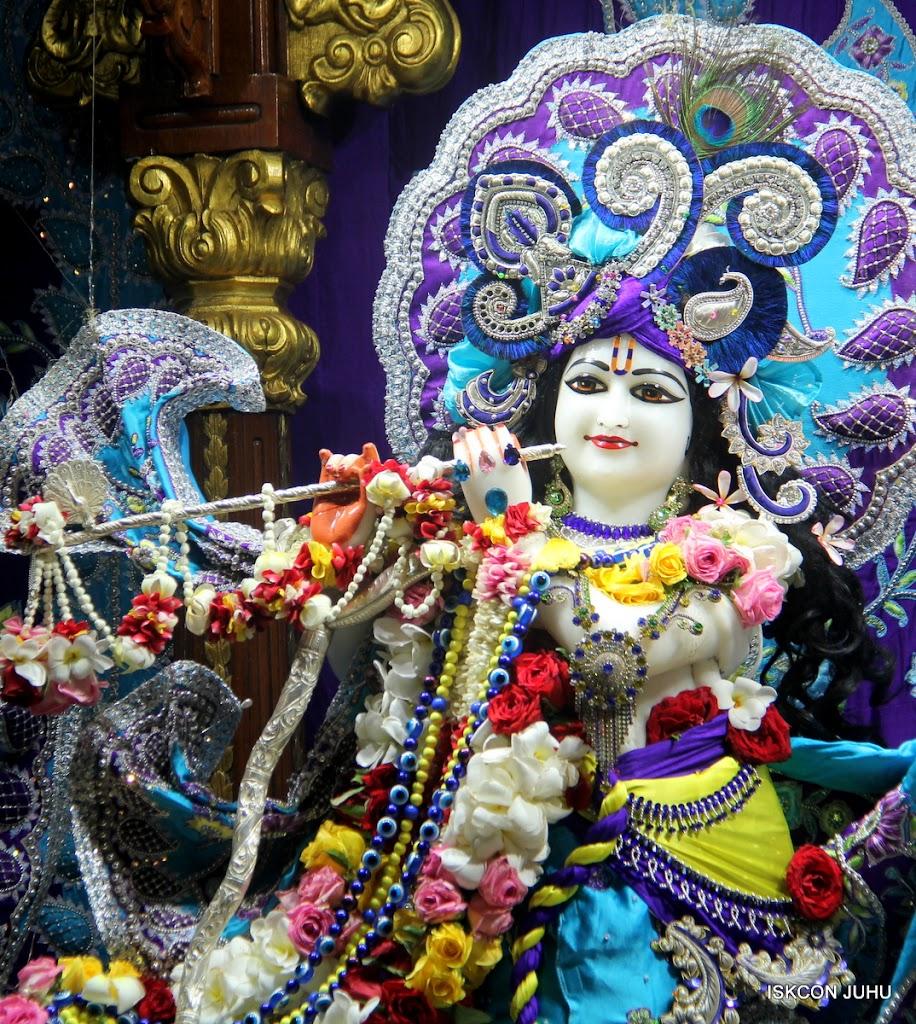 ISKCON Juhu Sringar Deity Darshan on 7th July 2016 (18)