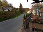 Ο δρόμος μπροστά από το ξενοδοχείο