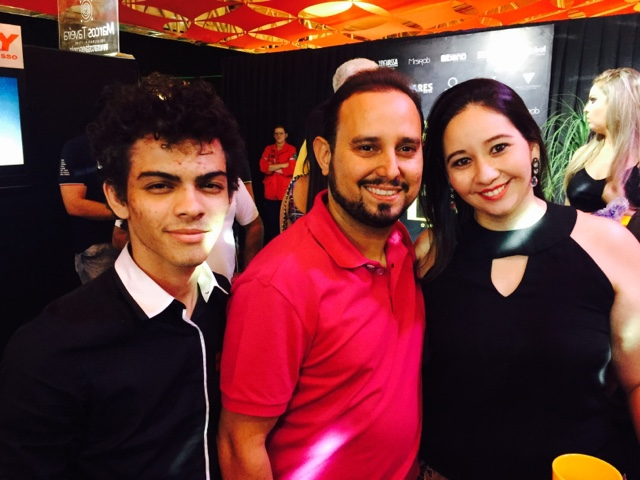 Dei uma passadinha no camarote CELEBRATY da Expocrato 2016, e cliquei o  empresário de sucesso, Joaquim Coelho e sua spouse Lorena França, ambos  estavam um ... a5bf9d17a9
