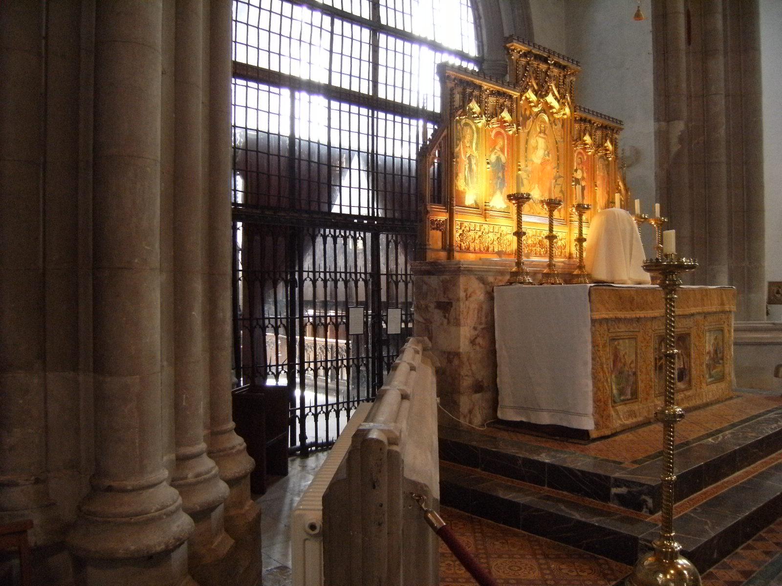 1007190073 Grille separating Fitzalan Chapel inside St Nicholas' Church