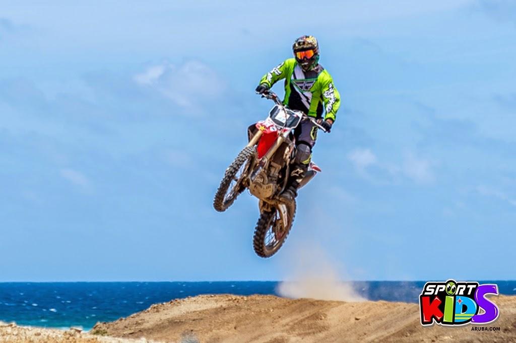 extreme motorcross Aruba - moto%2Bcross%2BGrape%2Bfiled%2BApril%2B2015-4.jpg