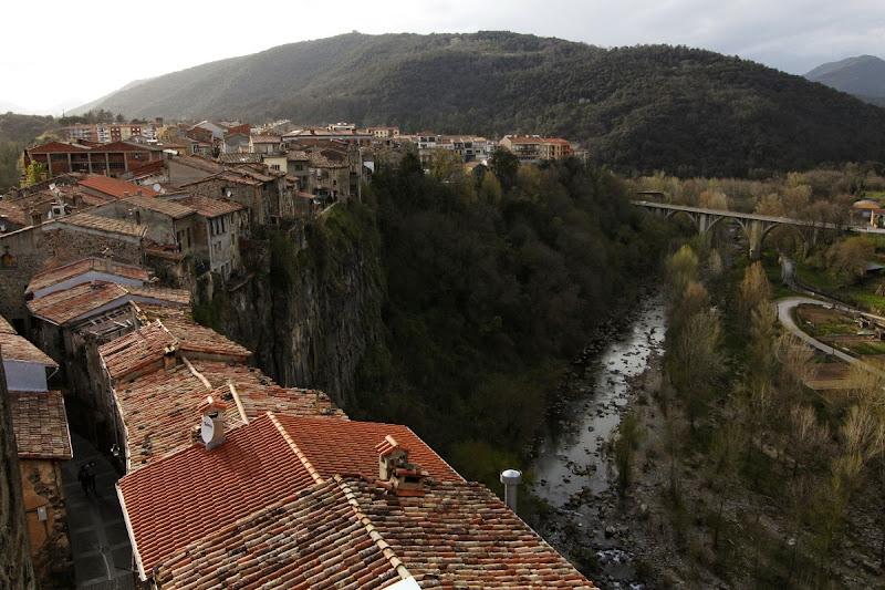 Vistas desde lo alto del campanario de la iglesia de Castellfollit de la Roca