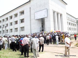 Rassemblement des fonctionnaires à la place Golgota à Kinshasa- Gombe. Radio Okapi/ Ph. John Bompengo