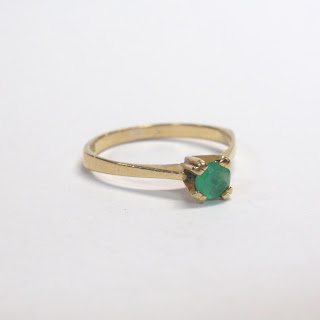 18K Gold and Green Stone Ring