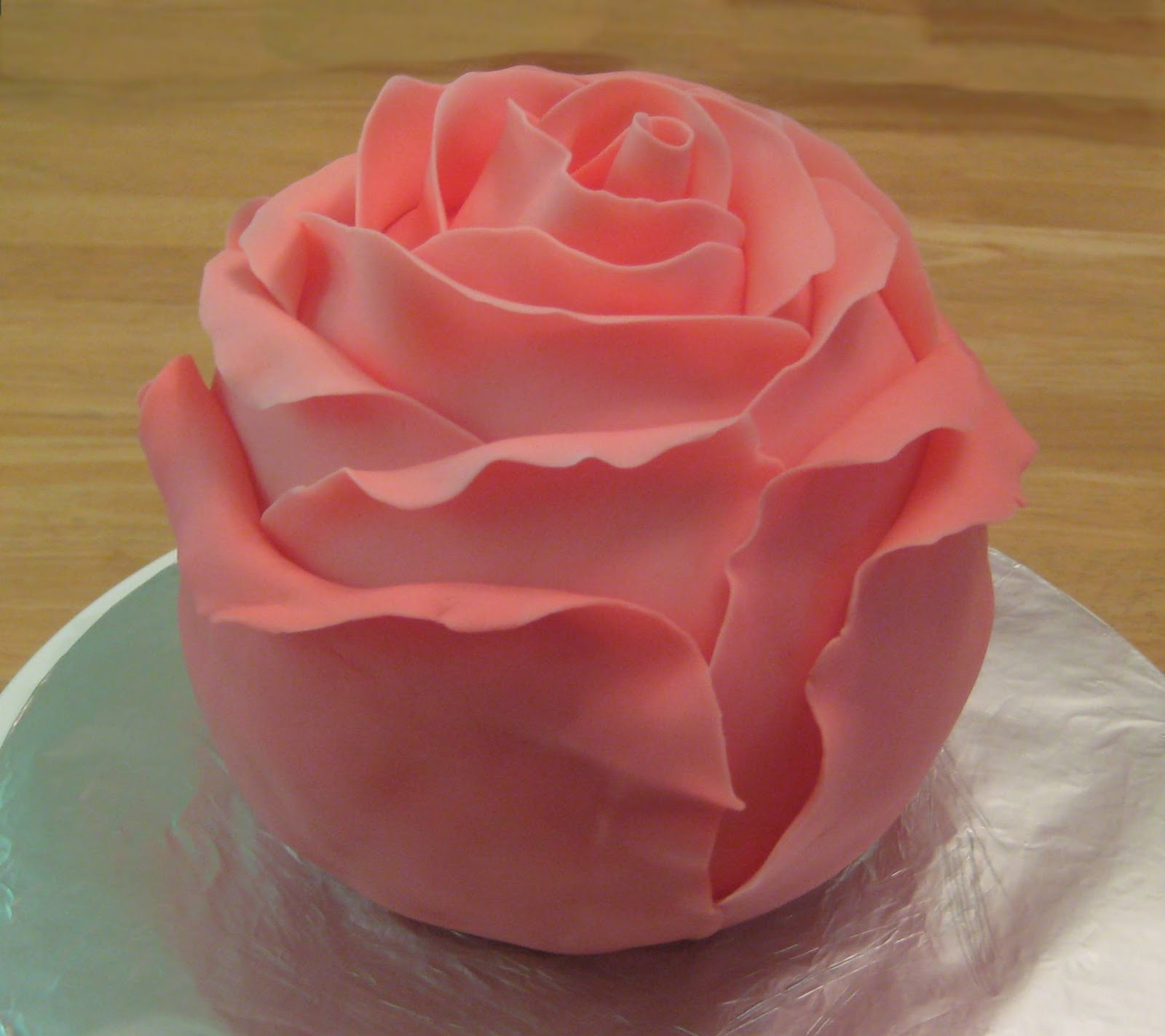 Images Of Cake With Roses : My Cake Corner: A Rose Cake by any Other Name Would Still ...