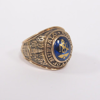 14K Gold and Blue Stone University of Buffalo Class Ring