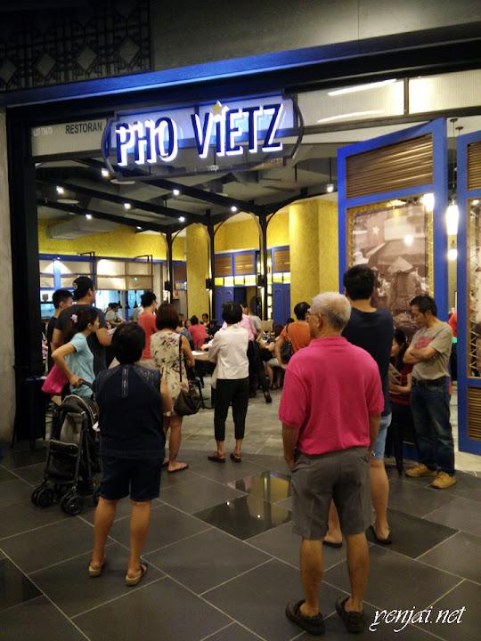 Pho Viet, Atria
