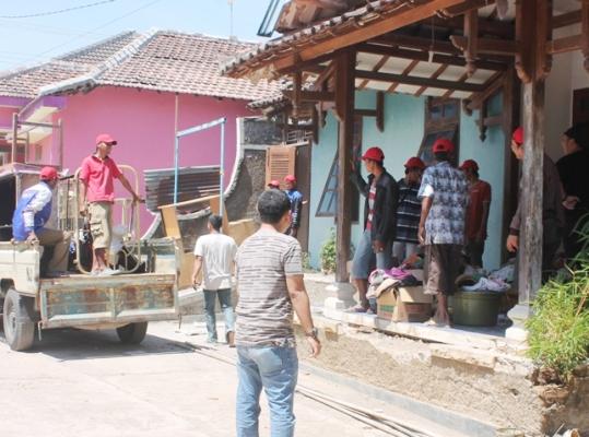 Kabupaten Ngawi: Juru Sita Pengadilan Negeri Ngawi Eksekusi Tanah dan ruko