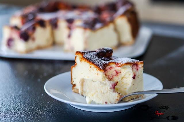 ciasta i desery, sernik z 10 jaj, kremowy sernik, puszysty sernik, sernik na herbatnikach, sernik z wiśniami,