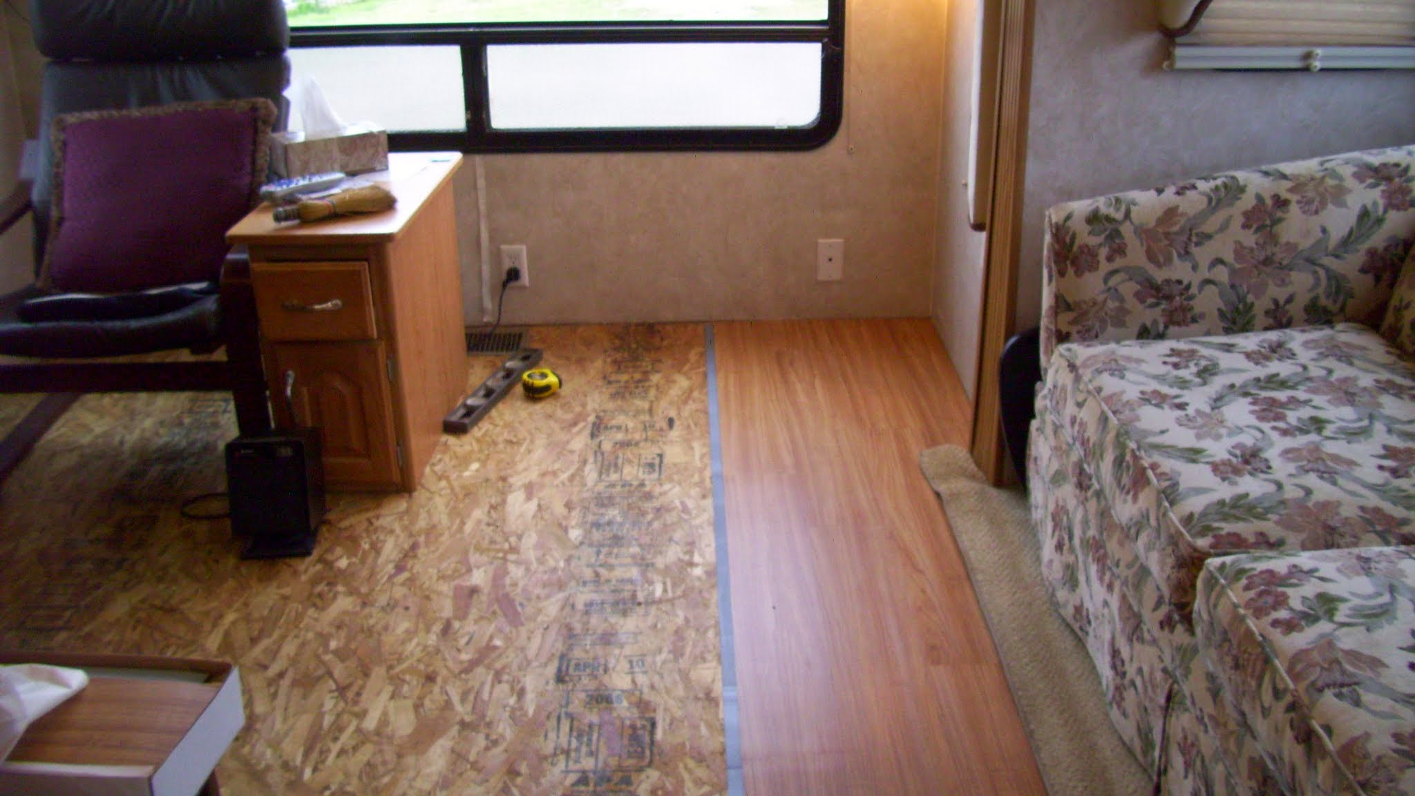Project installing laminate flooring in living room - Laminate wood flooring in living room ...
