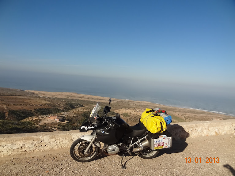 Marrocos e Mauritãnia a Queimar Pneu e Gasolina - Página 3 DSC05604