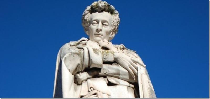 statua-leopardi-e1539005462797-900x425