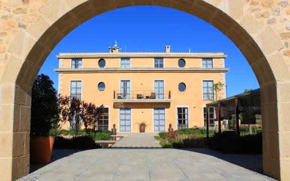 Casa Anamaria façana.jpg