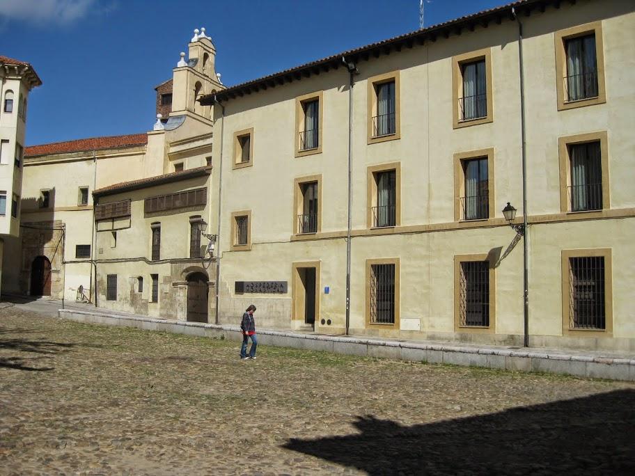 Albergue de peregrinos de las Benedictinas (Carbajalas) de León :: Albergues del Camino de Santiago