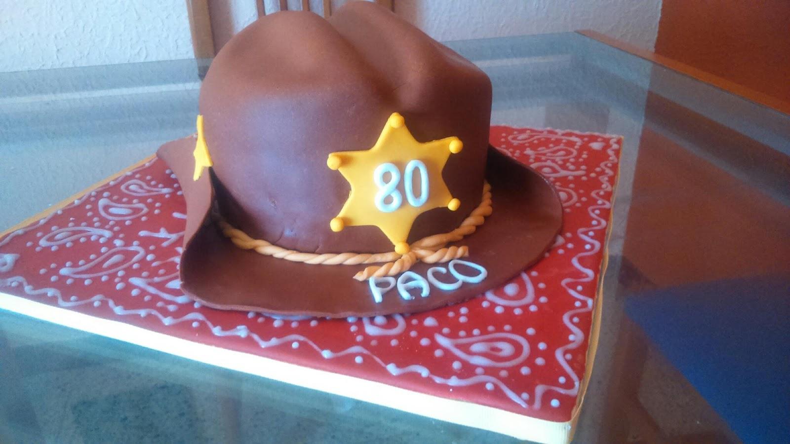 Así que le he hecho esta tarta con forma de sombrero.....Les ha encantado 16577e168e3