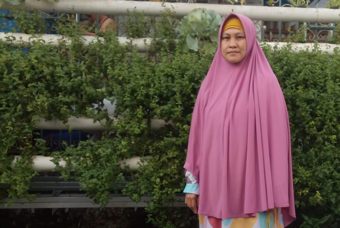 Fenny, Ibu Rumah Tangga Yang Berhasil Kembangkan Tanaman Hidroponik di Makassar