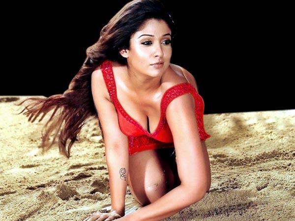 Nayanthara boob show