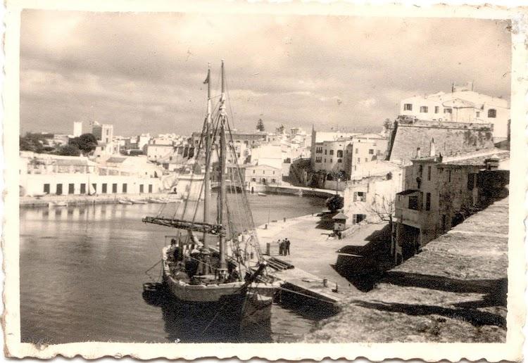 El ARNALDO OLIVER en Ciutadella. Fecha indeterminada. De la web Menorca Imatges den Primer.jpg
