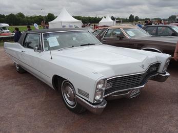 2017.07.01-079 Cadillac Coupé Deville 1967 aux enchères