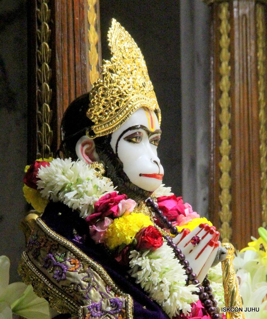 ISKCON Juhu Sringar Deity Darshan on 22nd Oct 2016 (34)