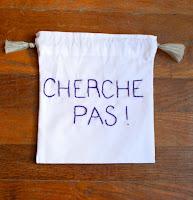 http://www.alittlemarket.com/autres-sacs/fr_seasacandsun_sac_de_rangement_valise_sac_cherche_pas_broderie_aubergine-7814627.html