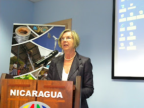 Photo: Dra. Betina Kern, embajadora de Alemania en el lanzamiento de RENOVABLES