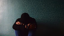 Sering Kesepian di Malam Hari? Ada Alasan Ilmiah di Balik Hal Ini Lho