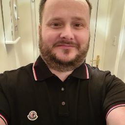 user David Walker apkdeer profile image