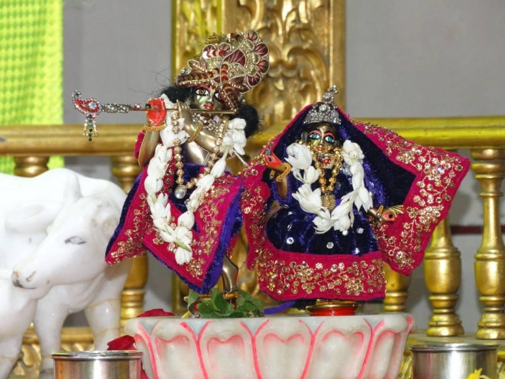 ISKCON Punjabi Bagh Deity Darshan 16 Mar 2016 (10)