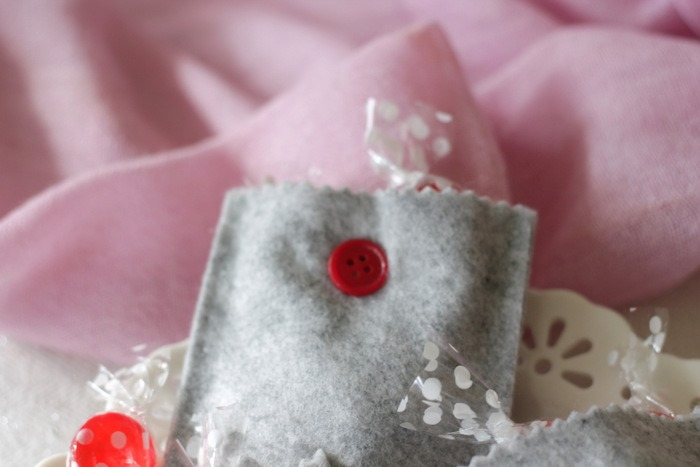 Grey Felt Valentine's Day Treat Bags by homework - carolynshomework (8)