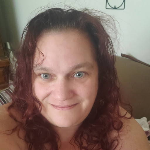 user Denise Gordon apkdeer profile image