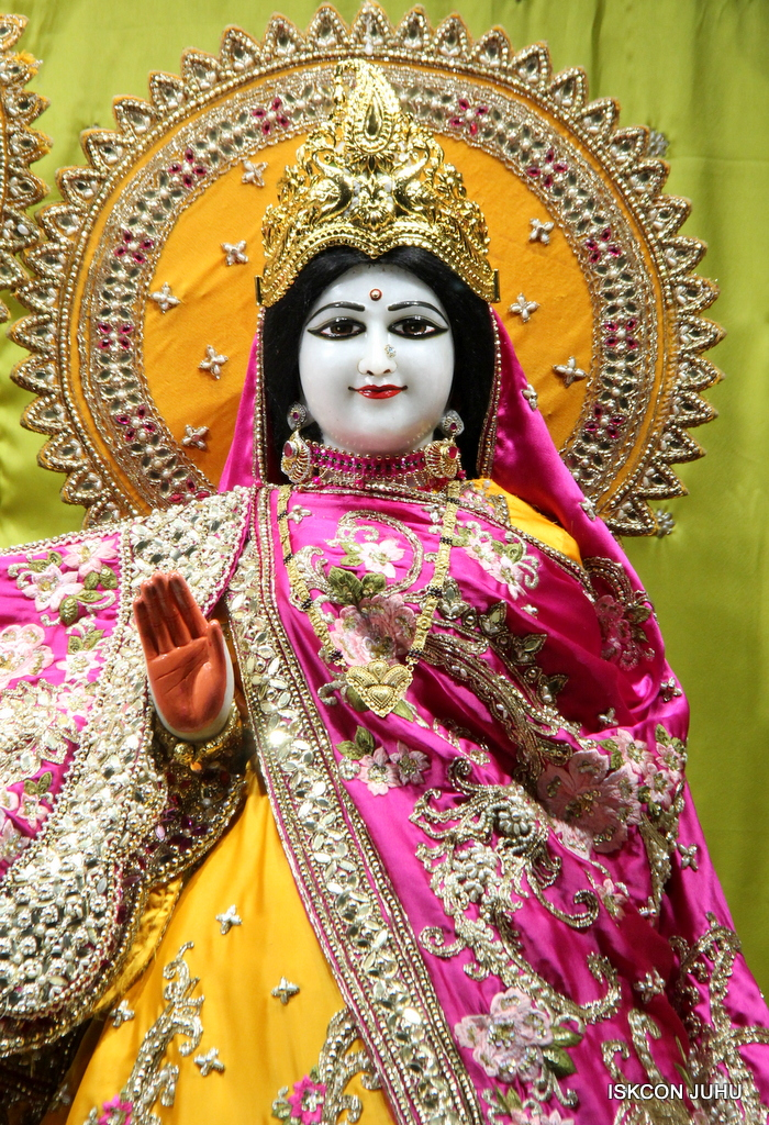 ISKCON Juhu Mangal Deity Darshan on 12th Sep 2016   (18)