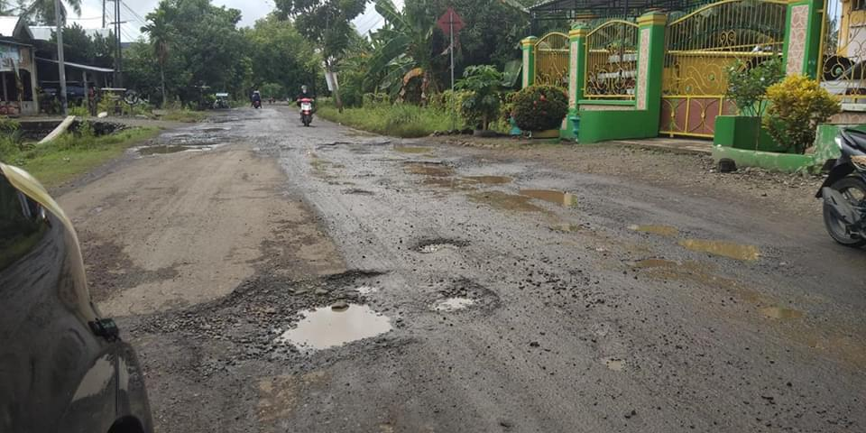 Dikeluhkan Masyarakat, Begini Respon Legislator Sulsel Andi Nurhidayati Terkait Jalan Rusak di Soppeng