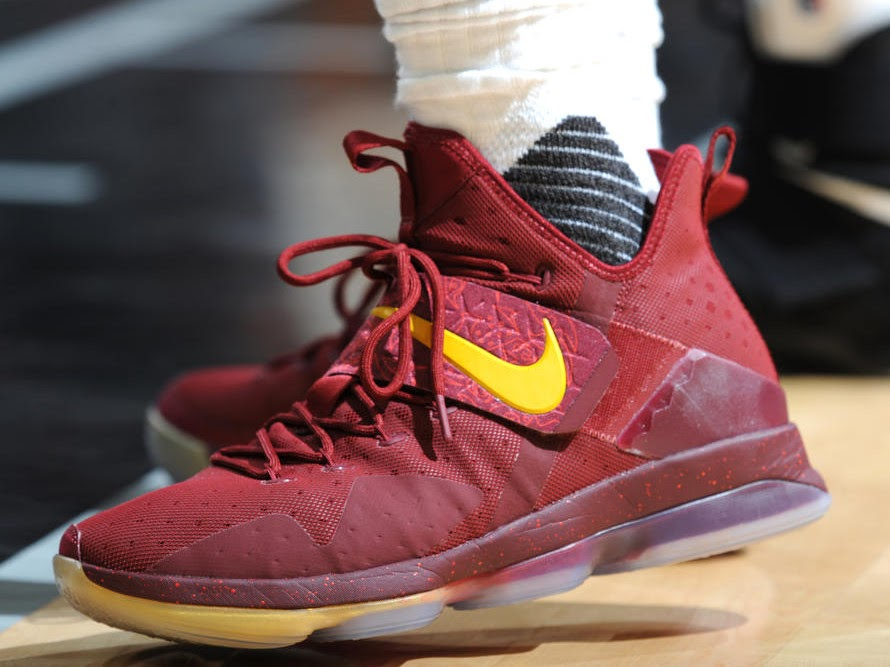 ca44b8a638e9 King James Debuts New Nike LeBron 14 Player Exclusives ...